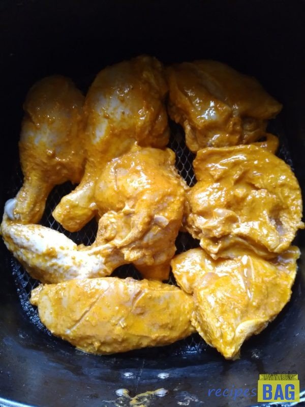 Now grill the chicken in the air fryer at 180 degrees for 20 minutes.