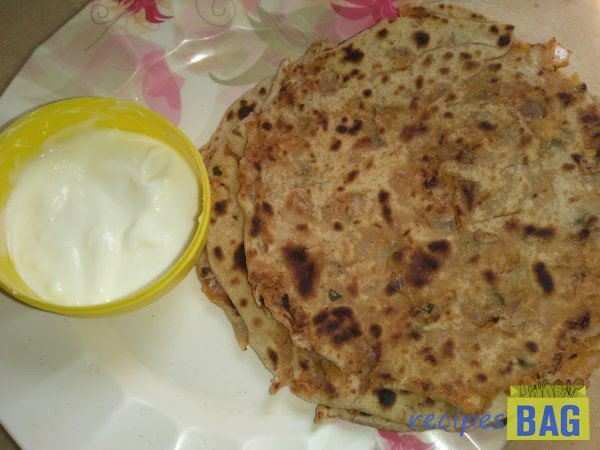 Pyaaz paratha recipe / Whole wheat Onion paratha recipe in 10 minutes.