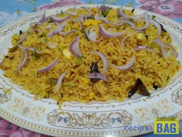 Egg Fried Rice-Indian style/ Street food style egg fried rice.